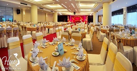 Khách sạn Mondial