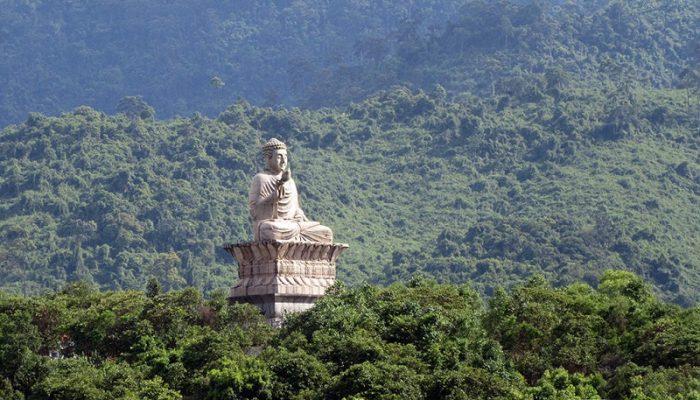 Khám phá Thiền Viện Trúc Lâm Bạch Mã chốn yên bình ở Huế