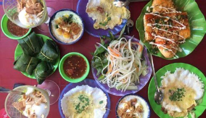 Quán bánh ven đường Huế