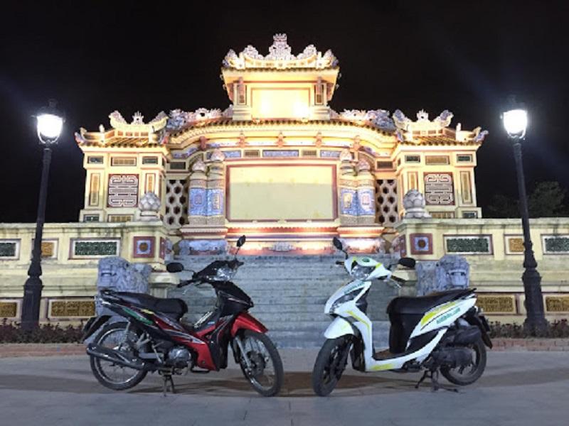 Chị Hiền cho thuê xe máy ở Huế